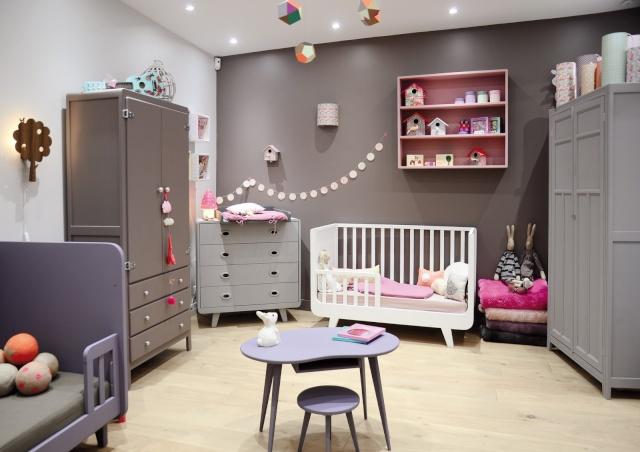 le classique peinture pour chambre de b b fille. Black Bedroom Furniture Sets. Home Design Ideas