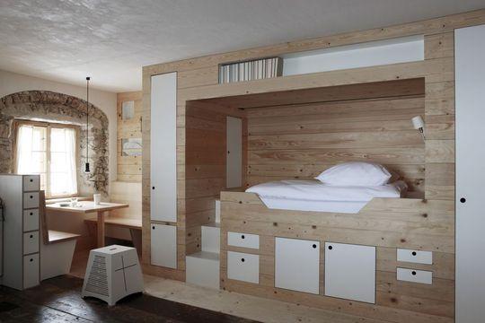 Chambre am nager enti rement peinture disposition et placard - Lit avec armoire integree ...