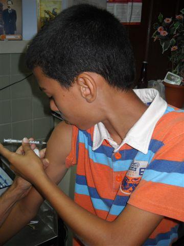 Franco inyectándose la insulina