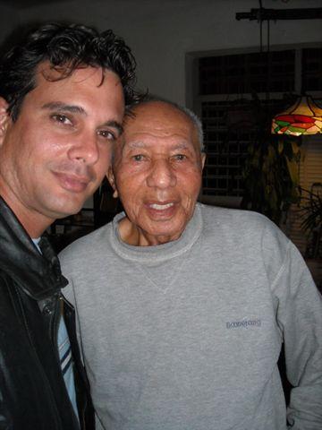 César Portillo de la Luz y Michael García, realizador de Radio Camoa